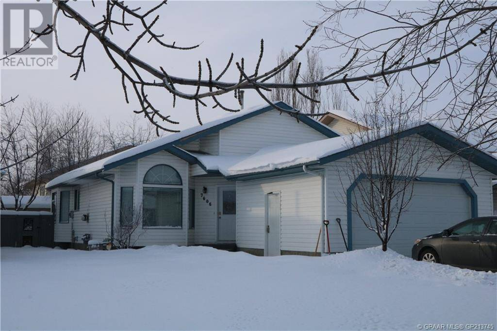 House for sale at 7606 Mission Heights Dr Grande Prairie Alberta - MLS: GP213745