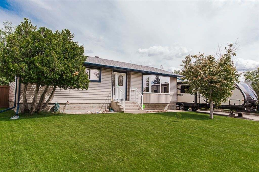House for sale at 7609 97a St Grande Prairie Alberta - MLS: A1007671