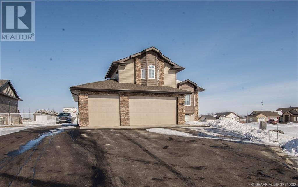 House for sale at 7618 Abbey Ln Grande Prairie, County Of Alberta - MLS: GP215033