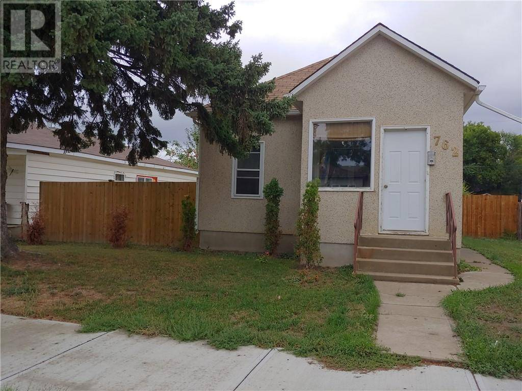 House for sale at 762 11 St Se Medicine Hat Alberta - MLS: mh0178048