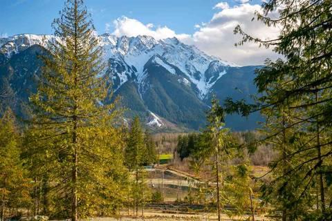 Home for sale at 7622 Seven O'clock Dr Pemberton British Columbia - MLS: R2415683