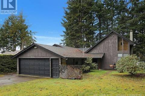 House for sale at 7630 Ships Point Rd Fanny Bay British Columbia - MLS: 452851