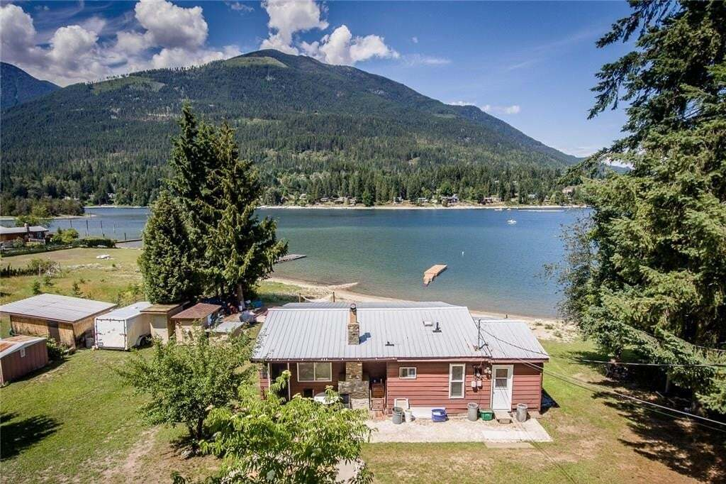 House for sale at 7635 Ross Road  Procter British Columbia - MLS: 2439457