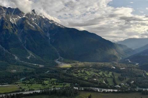 Residential property for sale at 7662 Cerulean Dr Pemberton British Columbia - MLS: R2415005