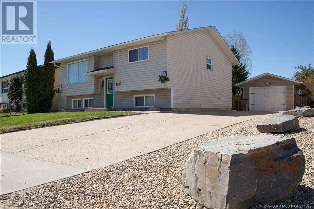 House for sale at 7664 Patterson Dr Grande Prairie Alberta - MLS: GP211977