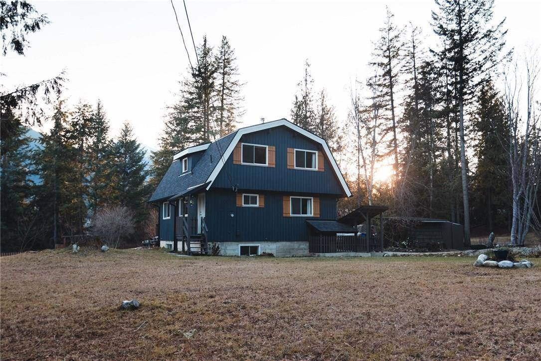 House for sale at 7676 Upper Balfour Road  Kokanee Creek To Balfour British Columbia - MLS: 2442183