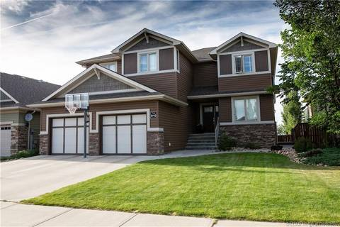 768 Canyonview Close W, Lethbridge | Image 2