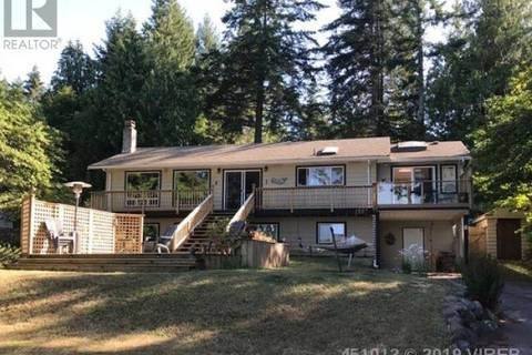 House for sale at 7682 Ships Point Rd Fanny Bay British Columbia - MLS: 451013