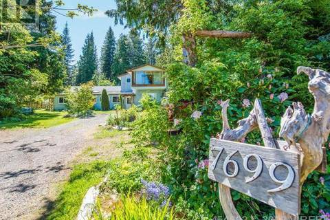 House for sale at 7699 Ships Point Rd Fanny Bay British Columbia - MLS: 454692