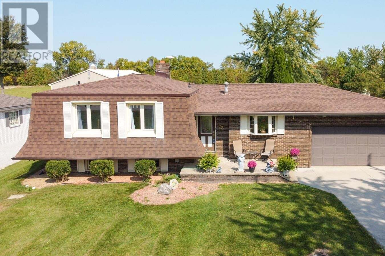 House for sale at 77 Bissonnette Ln Lakeshore Ontario - MLS: 20012761
