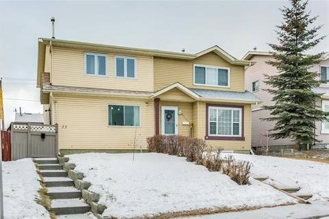 Townhouse for sale at 77 Castlebrook Wy Northeast Calgary Alberta - MLS: C4221219