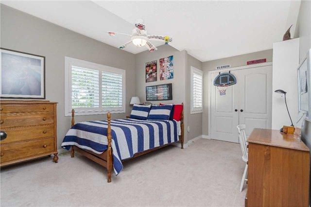 For Sale: 77 Mcnally Street, Halton Hills, ON   4 Bed, 3 Bath House for $1,029,900. See 20 photos!