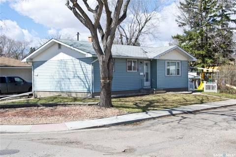 House for sale at 77 Mcnaughton Ave Regina Saskatchewan - MLS: SK797066