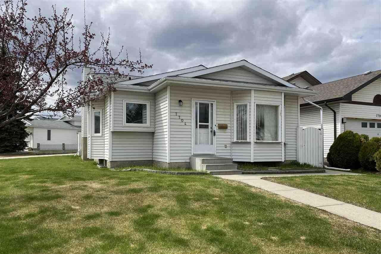House for sale at 7704 183b St NW Edmonton Alberta - MLS: E4196820