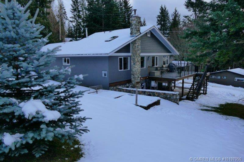 House for sale at 7713 Golf Course Rd Anglemont British Columbia - MLS: 10197050