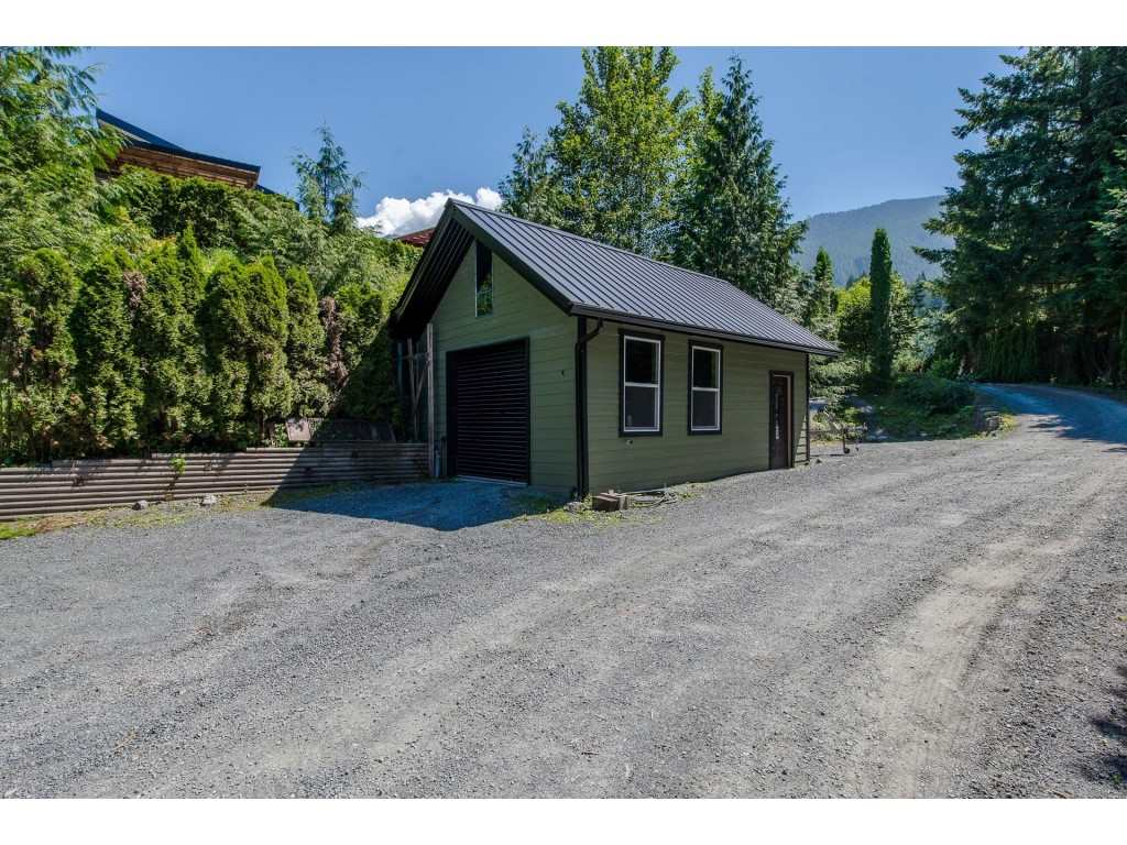 For Sale: 7720 Nixon Road, Chilliwack, BC | 4 Bed, 3 Bath House for $949,900. See 19 photos!