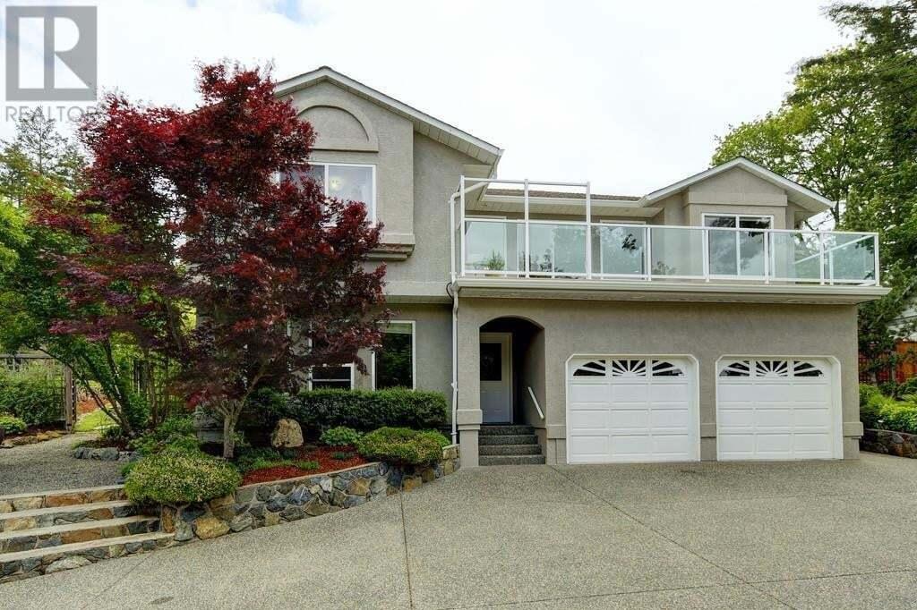 House for sale at 773 Haliburton Rd Victoria British Columbia - MLS: 426369