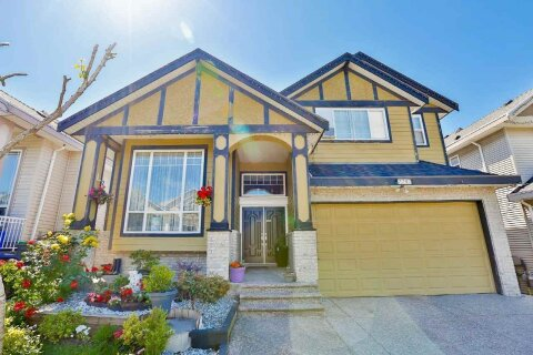 House for sale at 7747 146a St Surrey British Columbia - MLS: R2514085