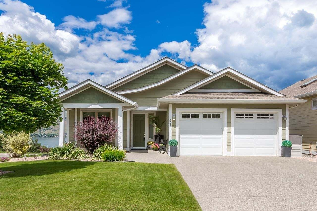 House for sale at 7760 Okanagan Landing Rd Vernon British Columbia - MLS: 10202462