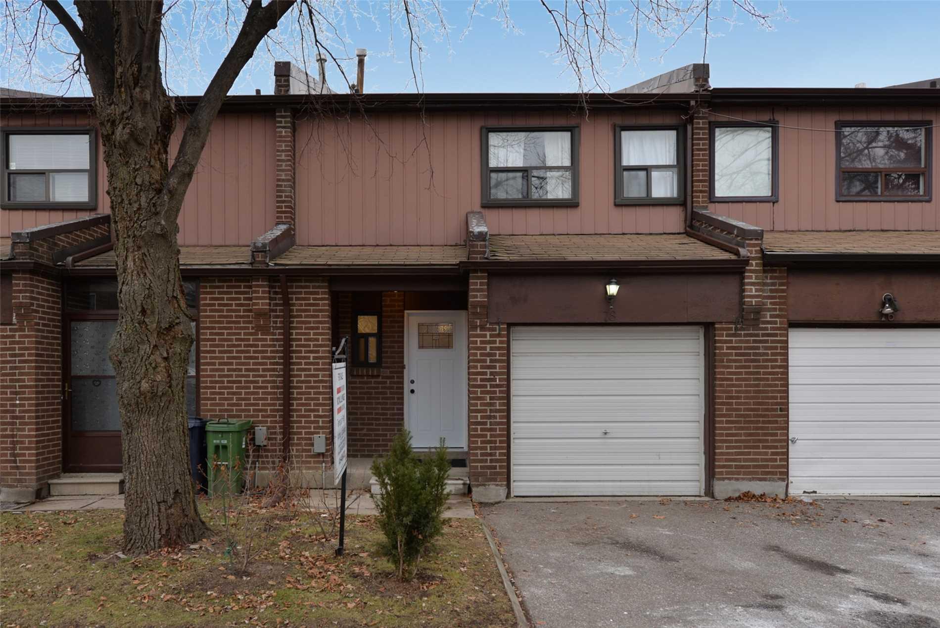 Buliding: 106 Chester Le Boulevard, Toronto, ON
