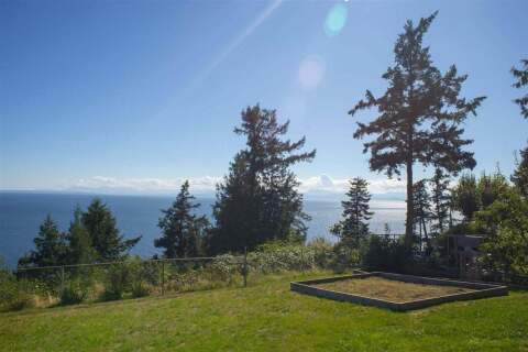 House for sale at 7811 Redrooffs Rd Halfmoon Bay British Columbia - MLS: R2491571