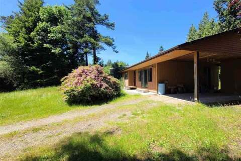 House for sale at 7822 Redrooffs Rd Halfmoon Bay British Columbia - MLS: R2459157