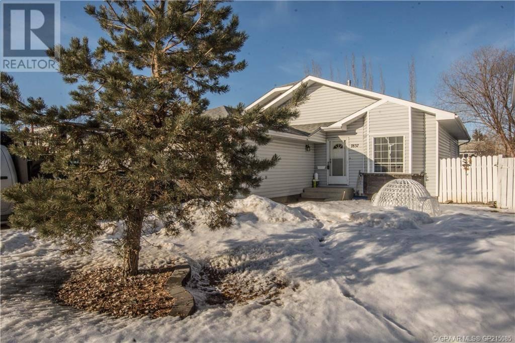 House for sale at 7837 Mission Heights Drive  Grande Prairie Alberta - MLS: GP215085