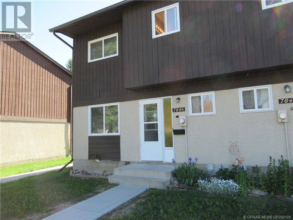 Townhouse for sale at 7846 Cedarwood Park  Grande Prairie Alberta - MLS: GP206122