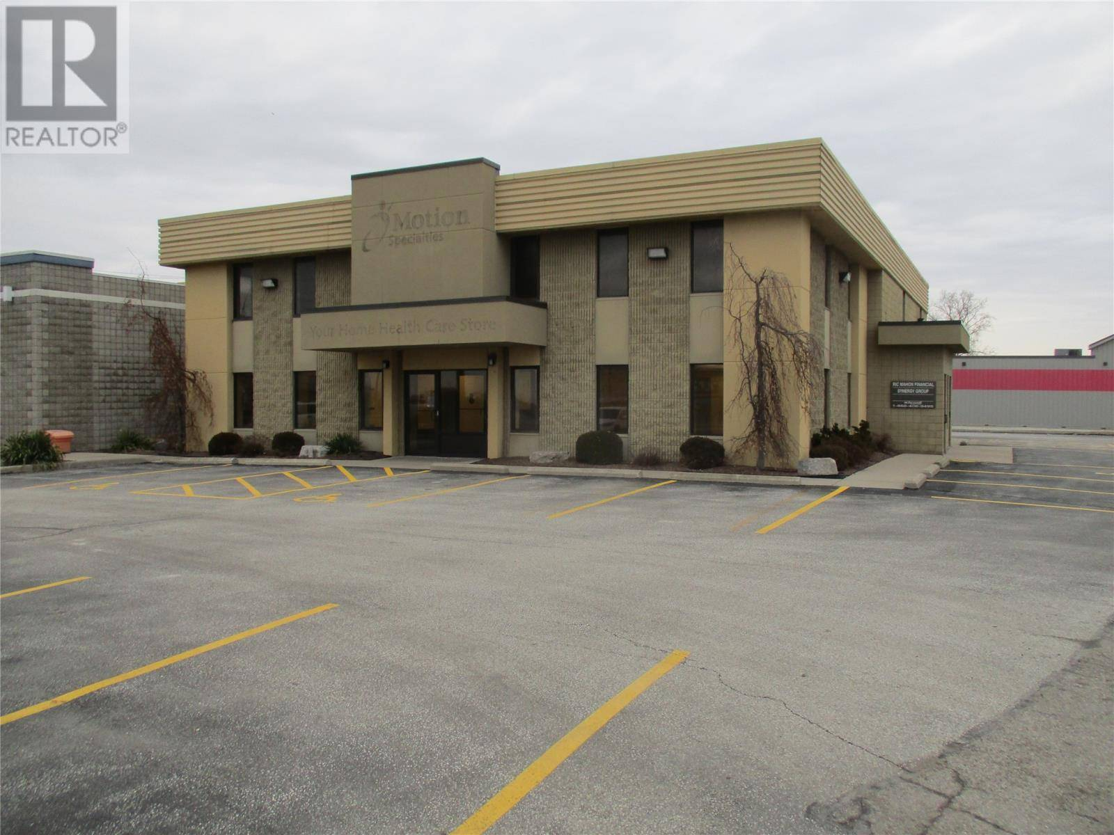 Commercial property for lease at 785 St Clair St Chatham Ontario - MLS: 20004876