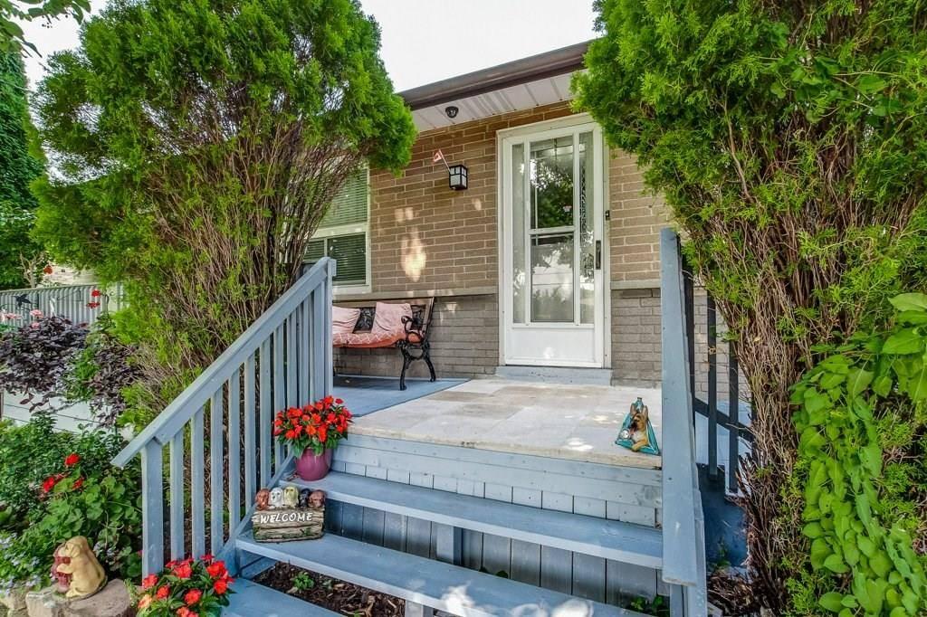 Home for sale at 79 Deerhurst Rd Stoney Creek Ontario - MLS: H4060298