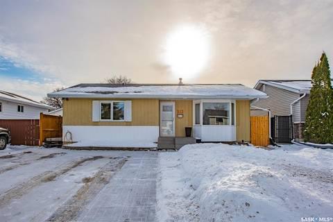 House for sale at 79 Fulton Dr Regina Saskatchewan - MLS: SK797821