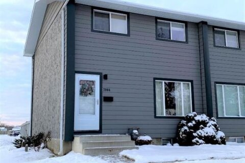 Townhouse for sale at 7904 100  St Grande Prairie Alberta - MLS: A1050147