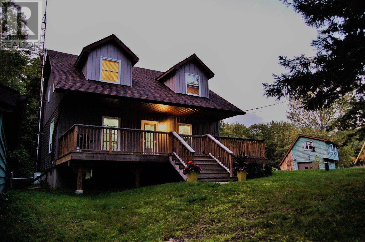 House for sale at 7921 Canoe Lake Rd South Frontenac Ontario - MLS: K19004733