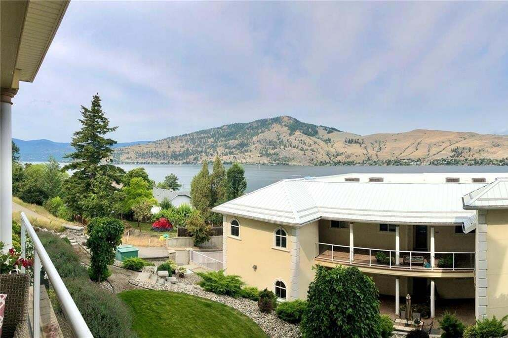 Condo for sale at 7922 Okanagan Landing Rd Vernon British Columbia - MLS: 10213385