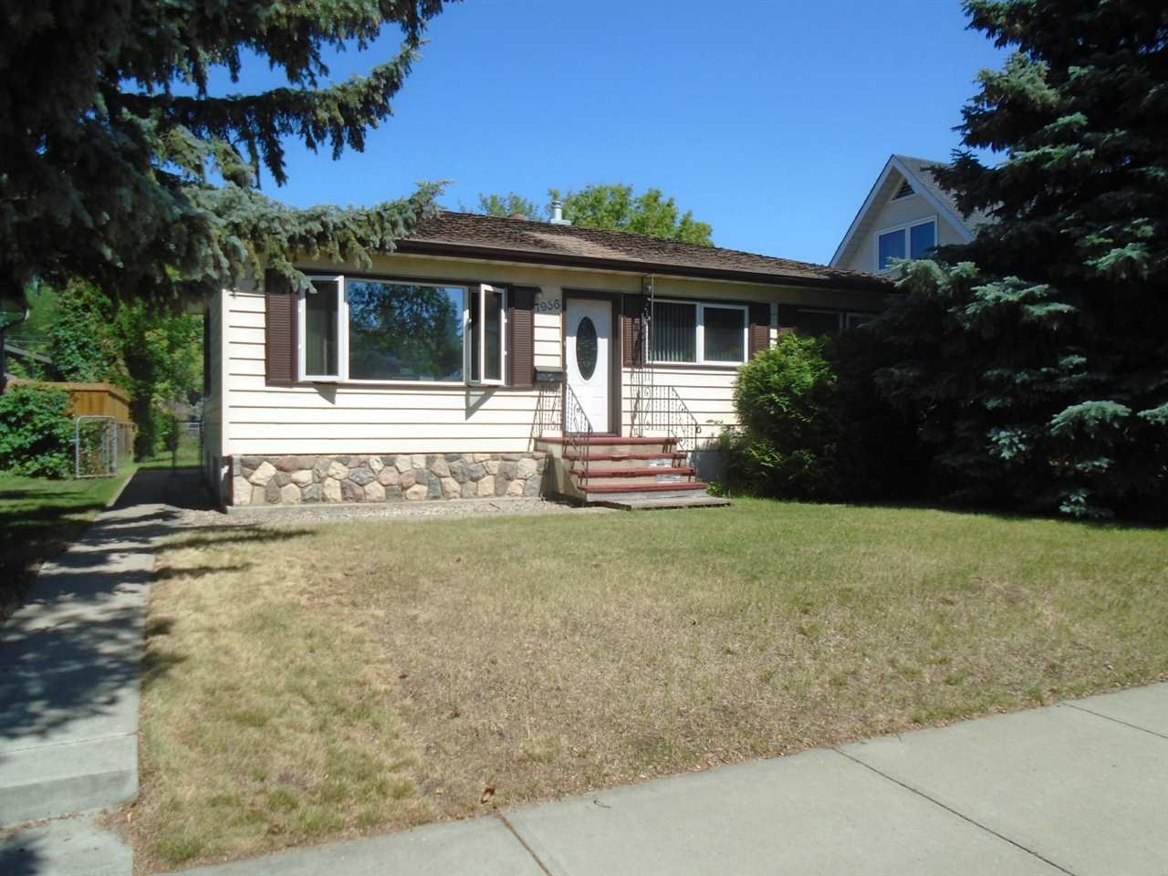 For Rent: 7936 91 Avenue Northwest, Edmonton, AB | 4 Bed, 2 Bath House for $355,000. See 11 photos!