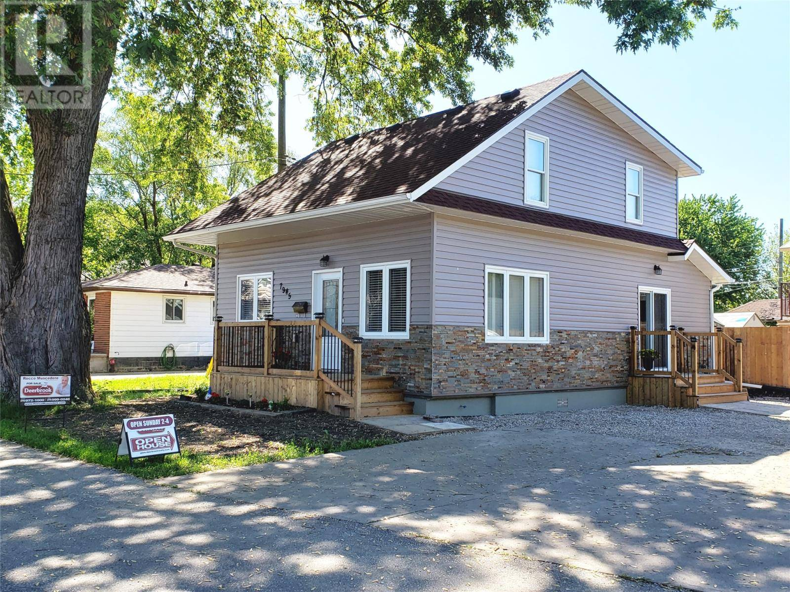 7945 Clairview Avenue, Windsor   Image 1