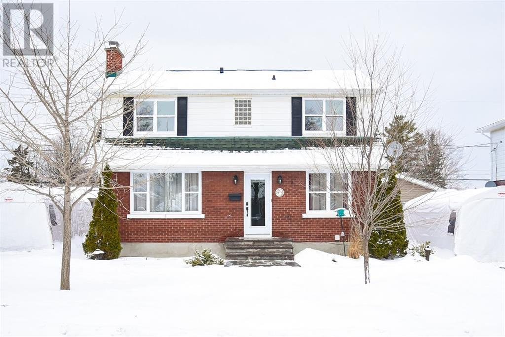Removed: 795 Colson Avenue, Ottawa, ON - Removed on 2020-01-24 04:33:16