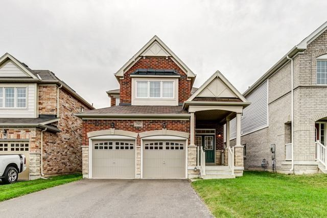 For Rent: 795 Mccue Drive, Oshawa, ON | 4 Bed, 3 Bath House for $2,200. See 20 photos!