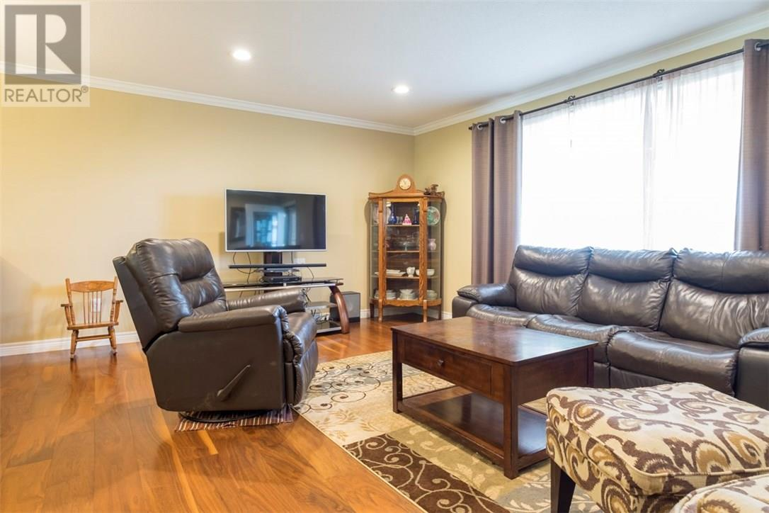 795 Wharncliffe Road South London For Sale 489000 Zolo