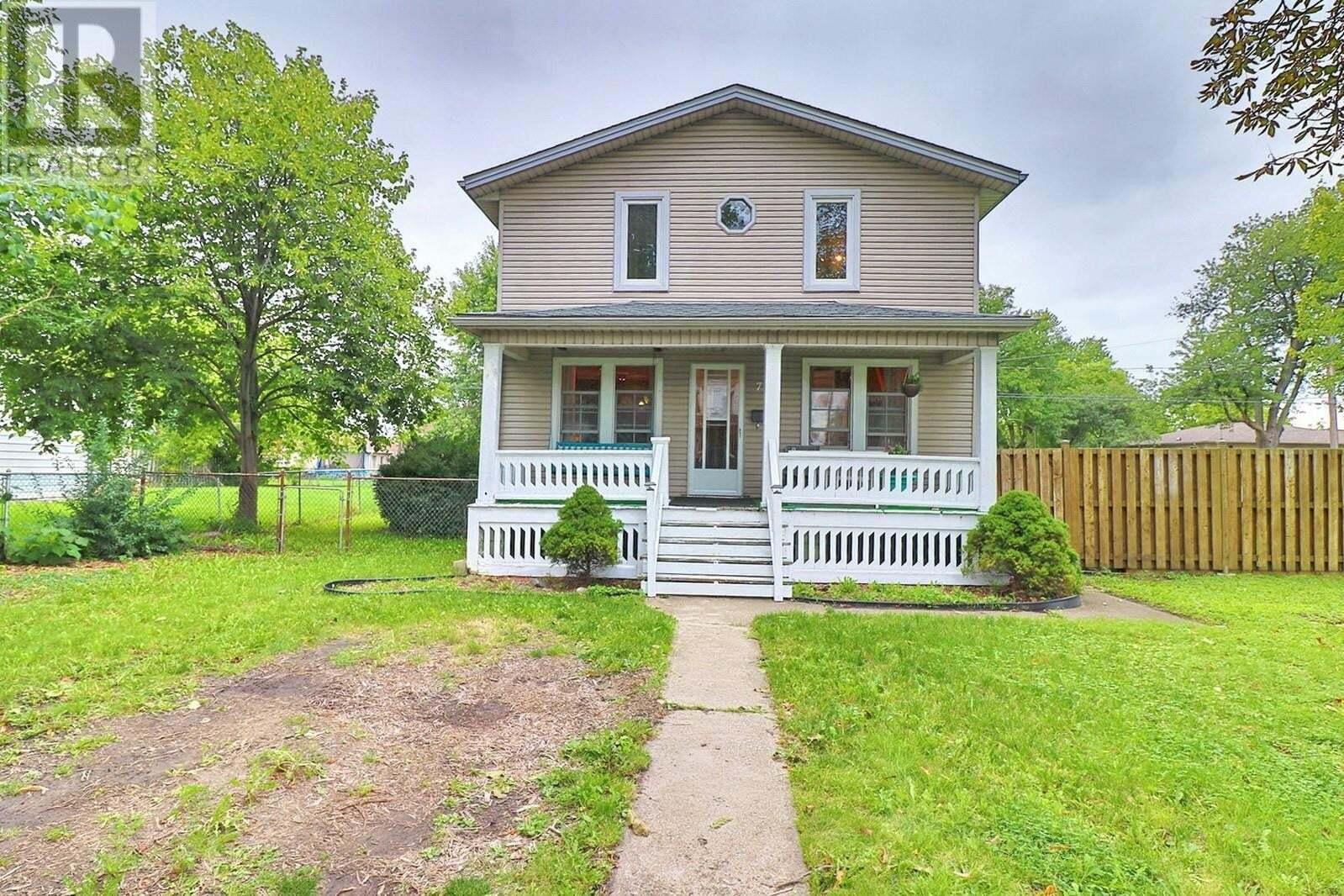 House for sale at 796 Hildegarde  Windsor Ontario - MLS: 20012275
