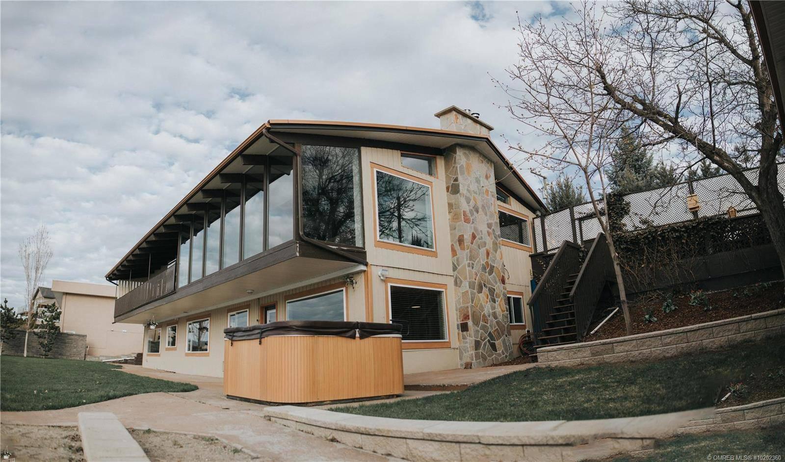 House for sale at 7975 Okanagan Landing Rd Vernon British Columbia - MLS: 10202360