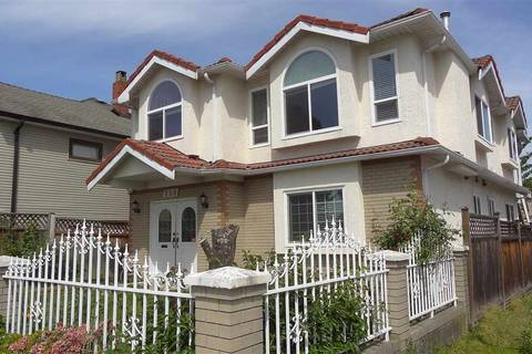House for sale at 798 Cassiar St Vancouver British Columbia - MLS: R2372189