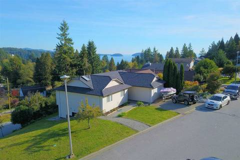 House for sale at 799 Bayview Heights Rd Gibsons British Columbia - MLS: R2412913