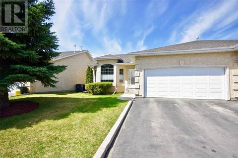 Townhouse for sale at 135 Pinehouse Dr Unit 8 Saskatoon Saskatchewan - MLS: SK798768