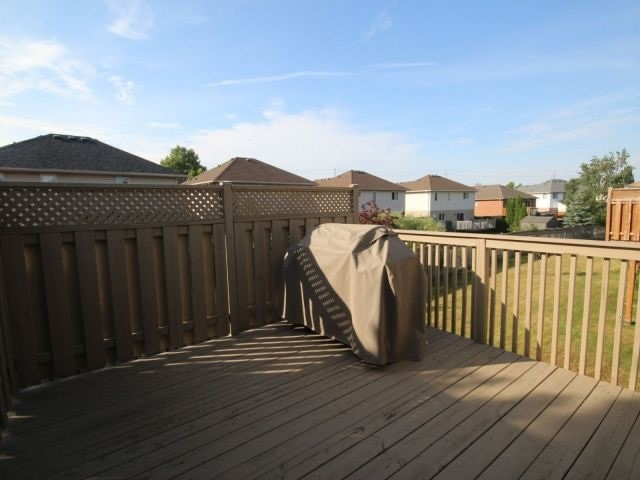 For Sale: 8 - 20 Windemere Place, St Thomas, ON | 2 Bed, 3 Bath Townhouse for $339,900. See 20 photos!