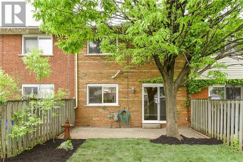 Townhouse for sale at 2085 Meadowbrook Dr Unit 8 Burlington Ontario - MLS: 30741152