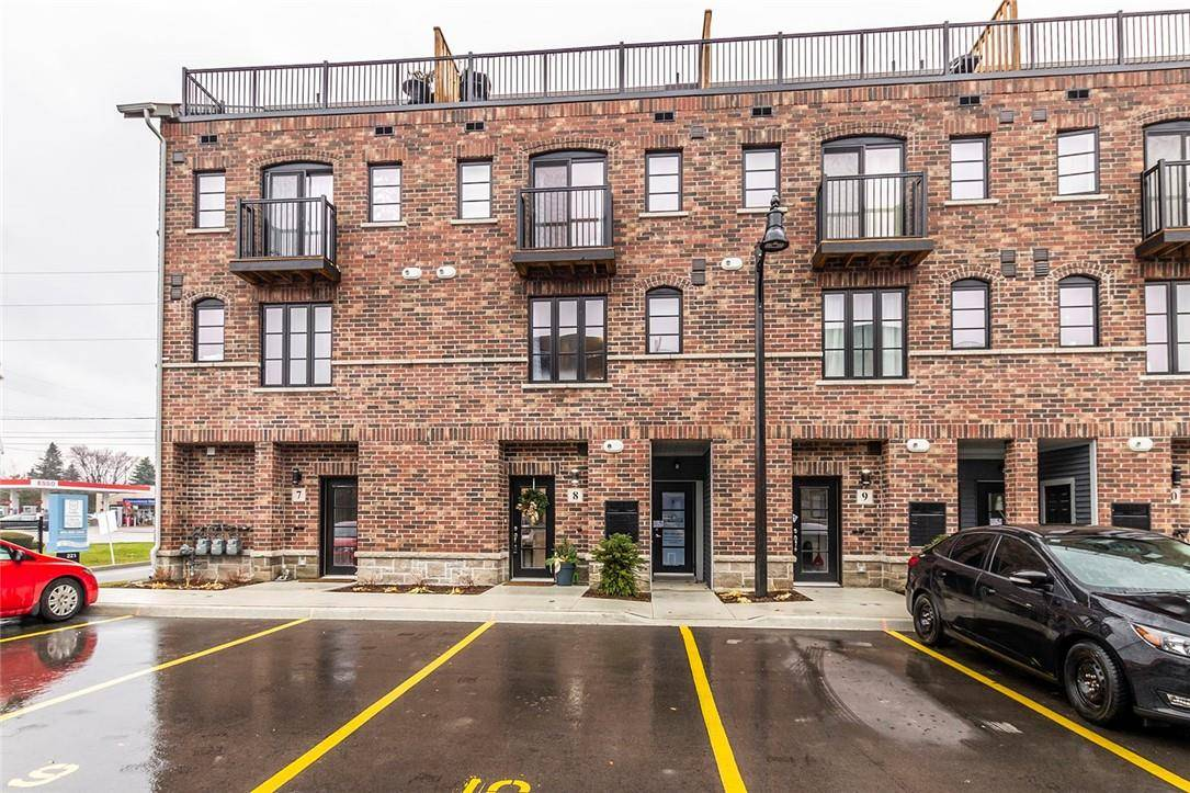 Townhouse for rent at 219 Dundas St E Unit 8 Waterdown Ontario - MLS: H4068668