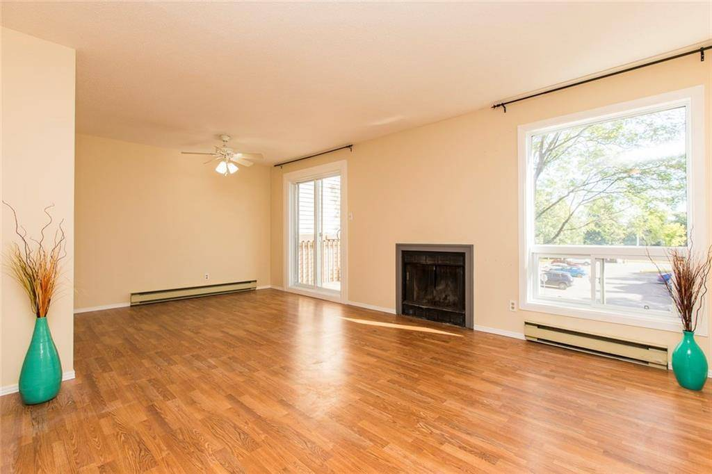 Apartment for rent at 240 Fenerty Ct Unit 8 Ottawa Ontario - MLS: 1169634