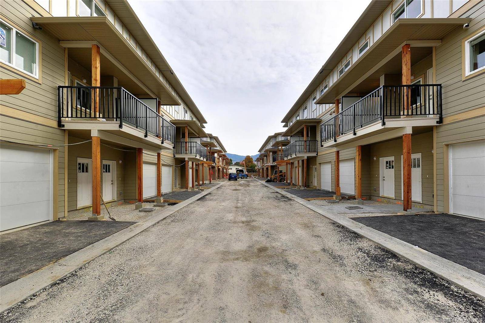 Townhouse for sale at 255 Taylor Rd Unit 8 Kelowna British Columbia - MLS: 10191083