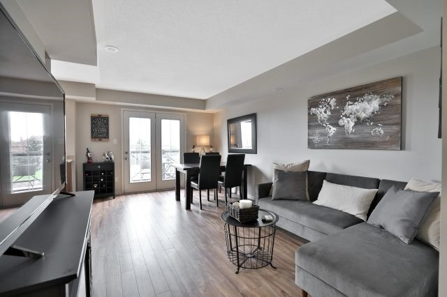 For Sale: 8 - 2557 Sixth Line, Oakville, ON   2 Bed, 2 Bath Townhouse for $468,000. See 19 photos!